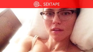 Nackt  Vanessa Valladares Zac Efron